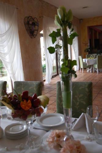 Komunia - dekoracje stołów (74)